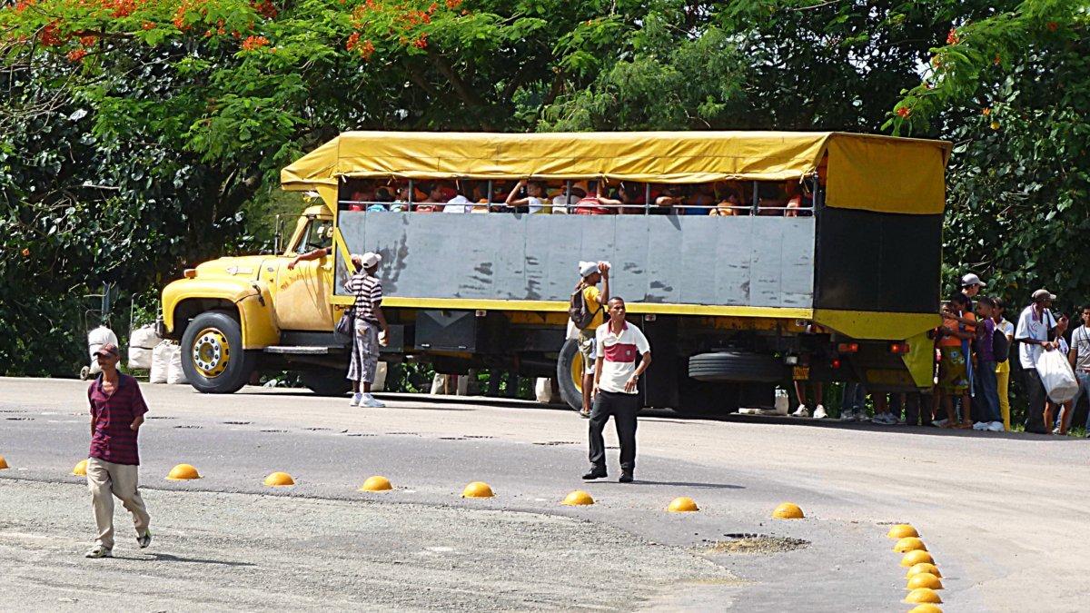 Bus Kuba
