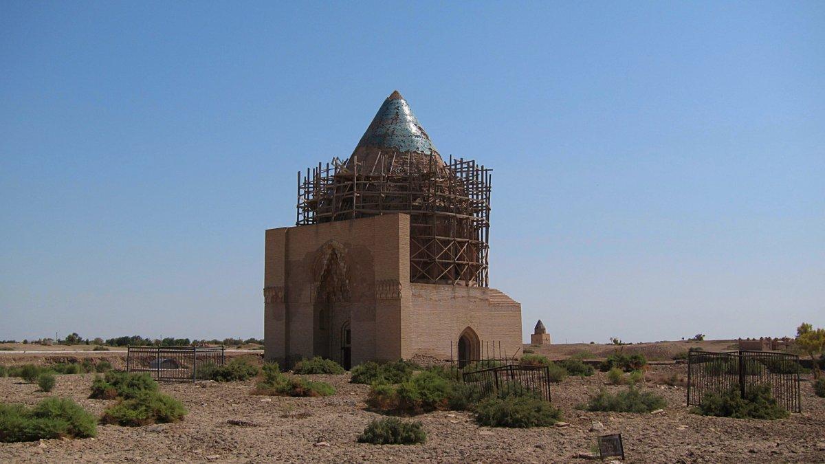 Tekesh Mausoleum Kunye-Urgench