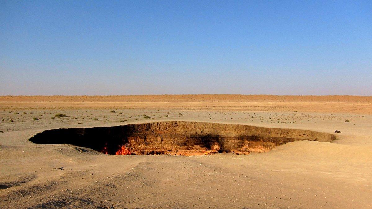 Darvaza Gas Krater